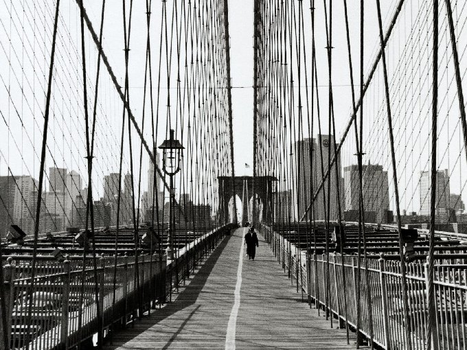 Brooklyn-Bridge-New-York-City-New-York-1-3OECWV6Y8G-680x510
